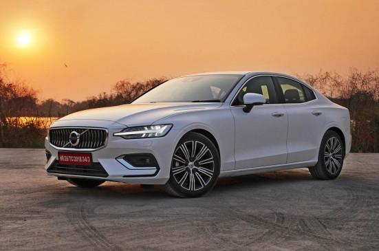 Volvo S60 का थर्ड जेनरेशन मॉडल भारत में हुआ लॉन्च, बुकिंग शुरू