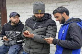 जम्मू-कश्मीर: राज्य में डेढ़ साल बाद शुरू होगी 4जी मोबाइल इंटरनेट सेवा, उमर बोले- 4G मुबारक