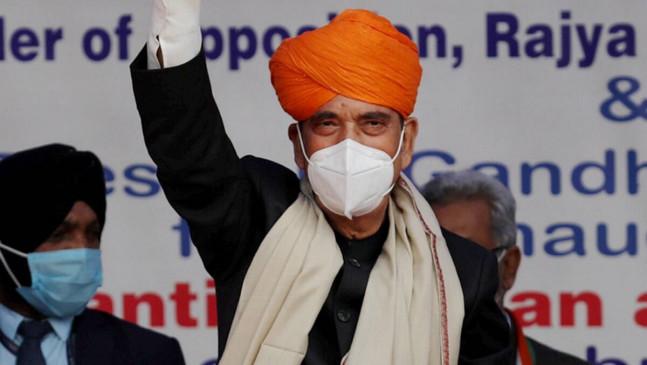 कांग्रेस के वरिष्ठ नेता गुलाम नबी ने पीएम मोदी की तारीफ की, बोले- जो इंसान अपनी असलियत नहीं छिपाते, वे हमेशा जड़ों से जुड़ें होते हैं
