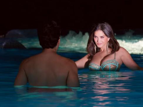 Viral Video: हाई हील पहनकर पूल में गिरी सन्नी लियोन, कहा - संतुलन जरुरी है