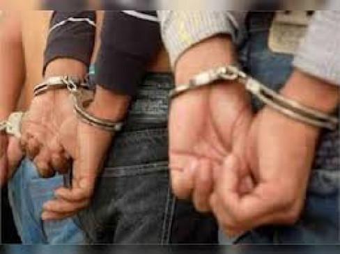 गैस सिलेंडर की कालाबाजारी करने वाले भाई गिरफ्तार