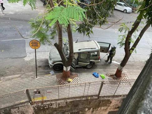 मुकेश अंबानी के घर एंटीलिया के बाहर संदिग्ध कार में जिलेटिन की छड़ें मिलीं, एटीएस खंगाल रही आतंकी एंगल