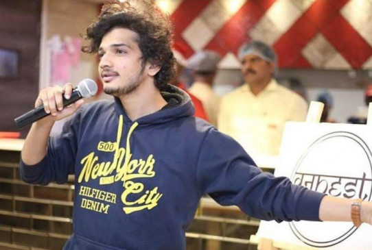 Comic Munawar Farooqi to stay in jail    Comedian Munawar Farooq was not released on bail, the jail administration said
