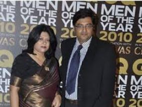 मानहानि : अर्णब और उनकी पत्नी के खिलाफ डीसीपीने दायर की शिकायत,अपमानजनक टिप्पणी का आरोप