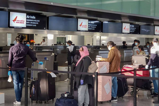 Indian Airline: देश में मंहगा हुआ हवाई सफर, 10 से 30% तक बढ़ा घरेलू उड़ानों का किराया, जानें कितनी होगी टिकट की कीमत