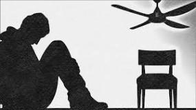 कर्ज से परेशान किसान ने की आत्महत्या, एक और शख्स ने लगाई फांसी