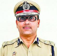 अमरावती के पूर्व पुलिस कमिश्नर को भरना होगा 1 लाख रुपए जुर्माना, महिला को देर रात थाने में बुलाना पड़ा महंगा