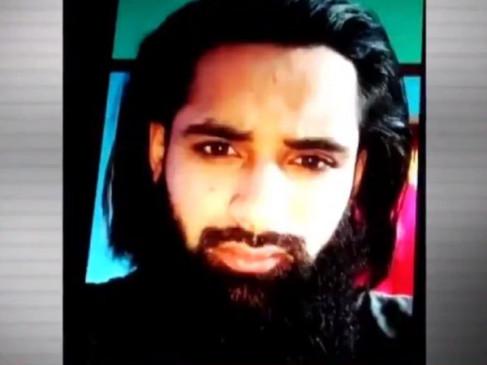 J&K: लश्कर-ए-मुस्तफा का टॉप कमांडर पुलिस की गिरफ्त में, आतंकी के कब्जे से पिस्तौल और ग्रेनेड बरामद
