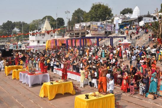 माँ नर्मदा प्राकट्योत्सव - आज शहर भर में हो रहे अभिषेक-पूजन और अनुष्ठान