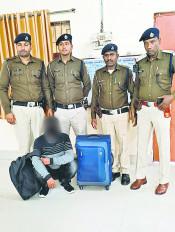 नागपुर : ट्रेन में चोरी करने वाला रंगेहाथ पकड़ा गया
