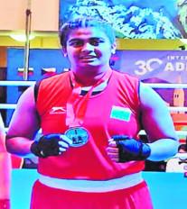 नागपुर की बेटी अल्फिया ने विदेश में लहराया परचम, जाती स्वर्ण पदक