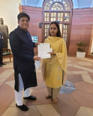 नगर बीड परली रेलवे लाइन के लिए केन्द्र से 527 करोड़ रुपए का प्रावधान, सांसद मुंडे ने रेल मंत्री का जताया आभार