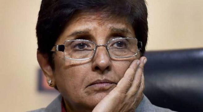 सियासी बवाल: किरण बेदी पुडुचेरी की लेफ्टिनेंट गवर्नर के पद से हटाई गईं, तेलंगाना की राज्यपाल को सौंपा प्रभार