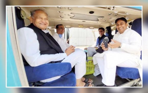 राजस्थान: कांग्रेस की किसान महापंचायत में एक ही हेलीकॉप्टर से पहुंचे गहलोत-पायलट, लोकसभा चुनाव के बाद पहली बार साथ दिखे