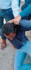 पोस्ट ऑफिस एजेंट का रुपयों से भरा बैग लेकर भागा बदमाश, लोगों ने दबोचा