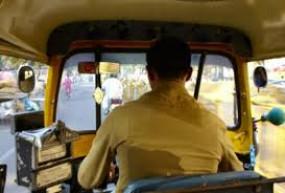 ऑटो चालक की याचिका पर ट्रैफिक पुलिस की किरकिरी