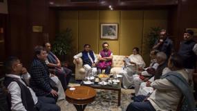 पश्चिम बंगाल विधानसभा चुनाव: कांग्रेस और लेफ्ट के बीच सीट-शेयरिंग के लिए आज कोलकाता में होगी बैठक