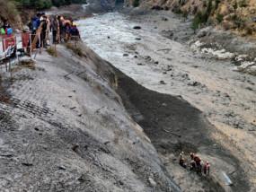सर्द मौसम के बावजूद चमोली में क्यों टूटा ग्लेशियर, इसरो ने सेटेलाइट तस्वीरों को देखकर बताया आपदा का कारण