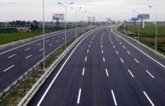 मुंबई-नागपुर एक्सप्रेस वे जैसी तेजी से नहीं हो रहा मुंबई-गोवा महामार्ग का काम