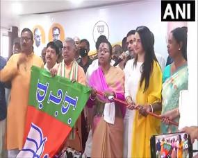 बंगाल चुनाव: ममता को फिर बड़ा झटका, 5 विधायक और हबीबपुर से TMC उम्मीदवार सरला ने ज्वाइन की BJP