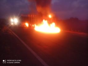 हाईवे में हुआ हादसा, धू-धू कर जला ट्रक, 1 लाख 30 हजार नगदी भी जलकर स्वाहा