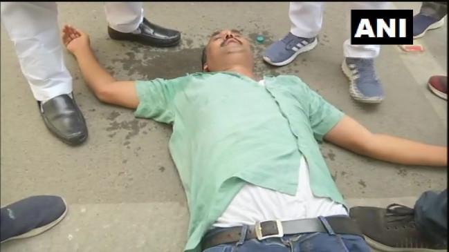 बिहार: विपक्ष के विरोध के बीच विशेष सशस्त्र पुलिस विधेयक पारित, विधायकों ने स्पीकर को बंधक बनाया, मार्शल ने विधायकों को उठाकर सदन से बाहर फेंका, 2 MLA बेहोश