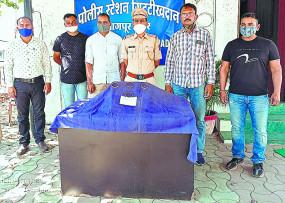 केयरटेकर ही निकला चोर, पुलिस ने दिल्ली से किया गिरफ्तार
