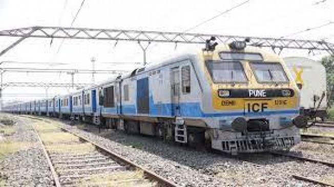 पुणे-फलटन के बीच डेमू ट्रेन की सेवा शुरु, बाजार के लिए साबित हो सकती है वरदान