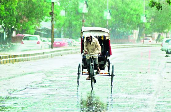 नागपुर में बूंदाबांदी , चक्रवात के चलते बदला मौसम