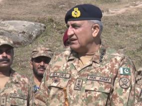 पाक ने अलापा शांति का राग, सेनाध्यक्ष बाजवा बोले- अतीत की यादों को दफना कर आगे बढ़ने का समय