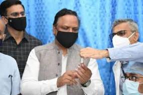 शिवसेना महापौर-विधायक और इंडिया बुल्स के कर्मचारियों को कैसे लग गए कोरोना टीका, शेलार ने उठाए सवाल