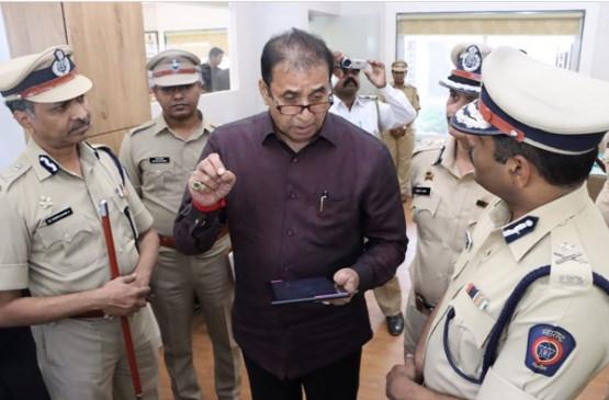 अब बड़े पैमाने पर तबादले! गृहमंत्री-डीजीपी-मुंबई पुलिस कमिश्नर के बीच तीन घंटे चली बैठक