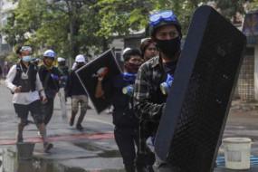 म्यांमार: आज 7 और प्रदर्शनकारियों ने जान गंवाई, अब तक 60 की मौत, सेना पर लोगों के खिलाफ 'युद्ध की रणनीति' अपनाने का आरोप
