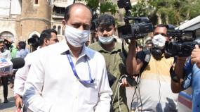 सचिन वाझे के घर से मिले 62 जिंदा कारतूस, कोर्ट ने सस्पेंडेड इंस्पेक्टर को 3 अप्रैल तक NIA की हिरासत में भेजा