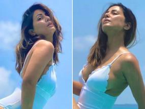 PHOTOS: मालदीव के बीच पर Hina Khan आई नजर , बढ़ा दिया सोशल मीडिया का तापमान