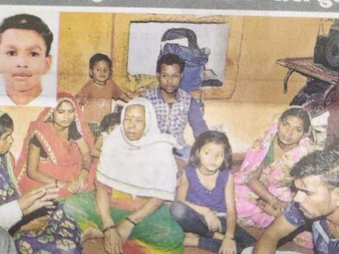 मेट्रो बस की टक्कर से दो भाई घायल, एक की मौत - ग्वारीघाट रोड पर सुबह भीमनगर के पास हुआ हादसा