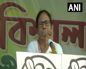 पश्चिम बंगाल चुनाव: नंदीग्राम में ममता ने मंच पर पढ़ा चंडी पाठ, कहा-मैं भी हिंदू हूं, शिवरात्रि पर जारी होगा पार्टी का मैनिफेस्टो