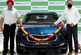 2021 Skoda Octavia लॉन्च से पहले डीलरशिप पर पहुंची, जानें कीमत और फीचर्स