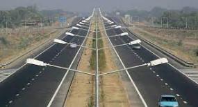 महाराष्ट्र की ग्रामीण सड़कों के विकास और राष्ट्रीय राजमार्ग रखरखाव के लिए 2040 करोड़ मंजूर