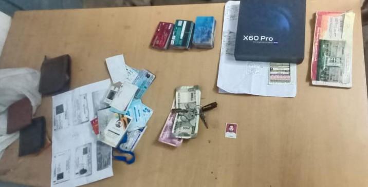 आईपीएल का सट्टा लिखते 3 सटोरिए गिरफ्तार - 9 मोबाइल और 4500 रुपए मौके से जब्त