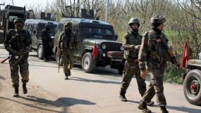 J&K: पुलवामा में मुठभेड़, सुरक्षाबलों ने तीन आतंकियों को मारा गिराया, दो नागरिक घायल