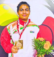 विश्व युवा मुक्केबाजी प्रतियोगिता में अल्फिया को स्वर्ण पदक
