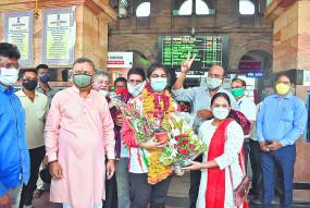 मुक्केबाज अल्फिया पठान का उपराजधानी नागपुर में जोरदार स्वागत