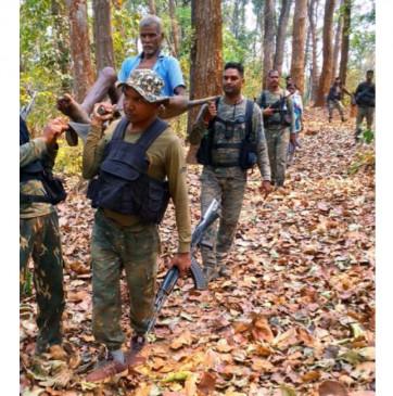 छत्तीसगढ़: बीजापुर में नक्सलियों के साथ मुठभेड़ में 5 जवान शहीद और 10 घायल, तीन को एयरलिफ्ट कर रायपुर लाया गया, 9 नक्सली ढेर