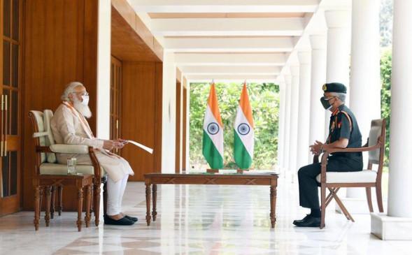 सेना प्रमुख जनरल मनोज मुकुंद नरवणे ने PM मोदी से मुलाकात की, कोविड संकट पर हुई चर्चा