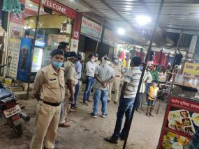 कोरोना संक्रमण - नियमों का उल्लंघन करने पर प्रकरण दर्ज ,इलेक्ट्रिकल्स की दुकान सील