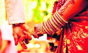 कोरोना के बढ़ते केस के चलते विवाह समारोह पर संकट, 5 हजार बुकिंग कैंसिल