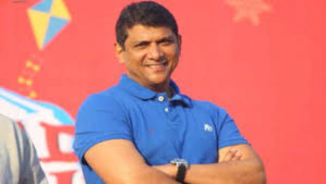 पालकमंत्री शेख ने कहा-सेलिब्रिटी और क्रिकेटरों ने घेर रखे हैं अस्पताल के बिस्तर