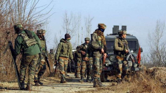 जम्मू-कश्मीर: शोपियां मुठभेड़ में 3 आतंकवादी ढेर, अंसार गजवा-तुल-हिंद का टॉप कमांडर घिरा