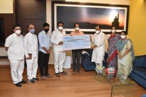 कोरोने से जंग के लिए NCP ने सीएम सहायता निधि में दिए 2 करोड़ रुपए, देश के 10 राज्यों में महाराष्ट्र में ज्यादा मौतें